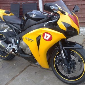 cbr1000rr 2008/09 broggie rep with two brothers can on pc v and race air filter on